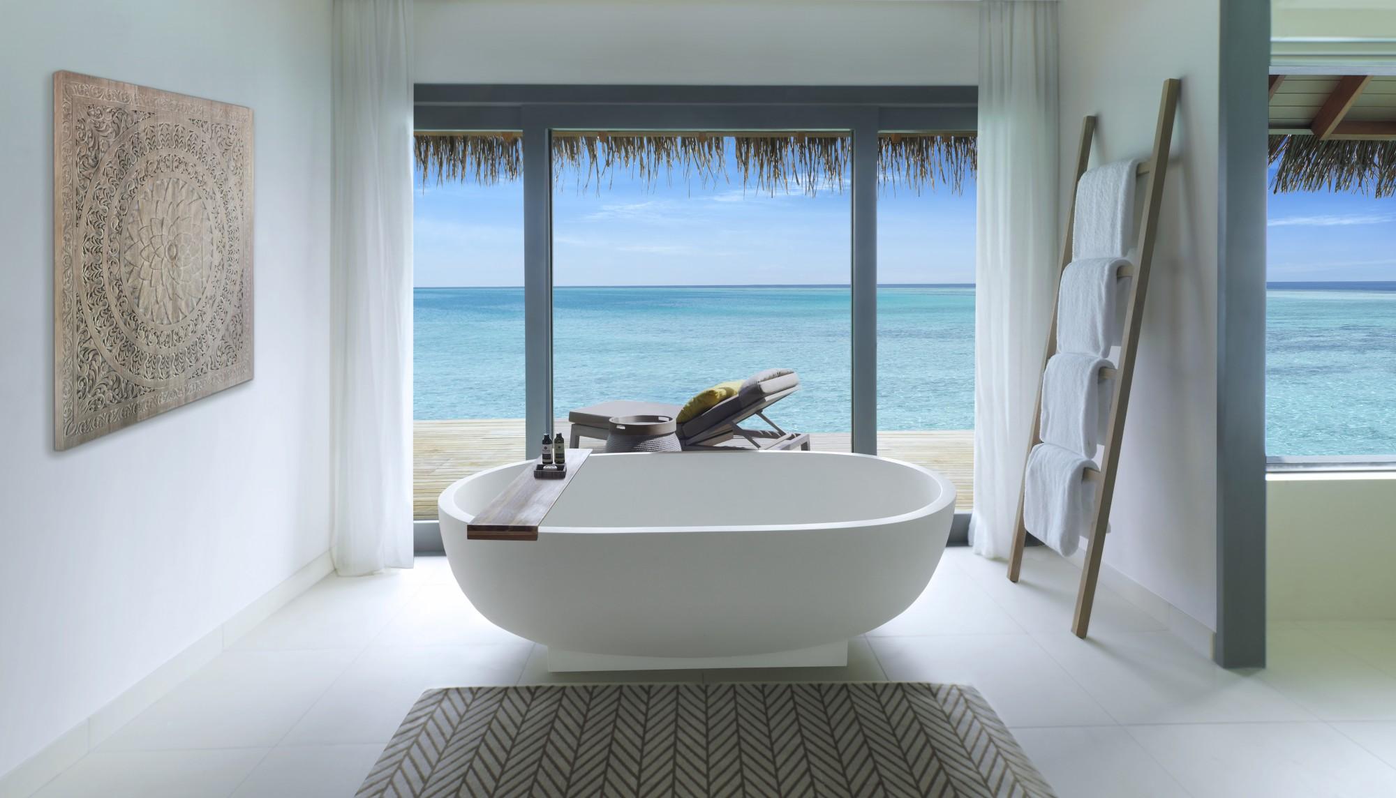 https://www.otdesign.com/wp-content/uploads/2020/11/OTdesign_Vakkaru_over-water-villa-bathroom.jpg
